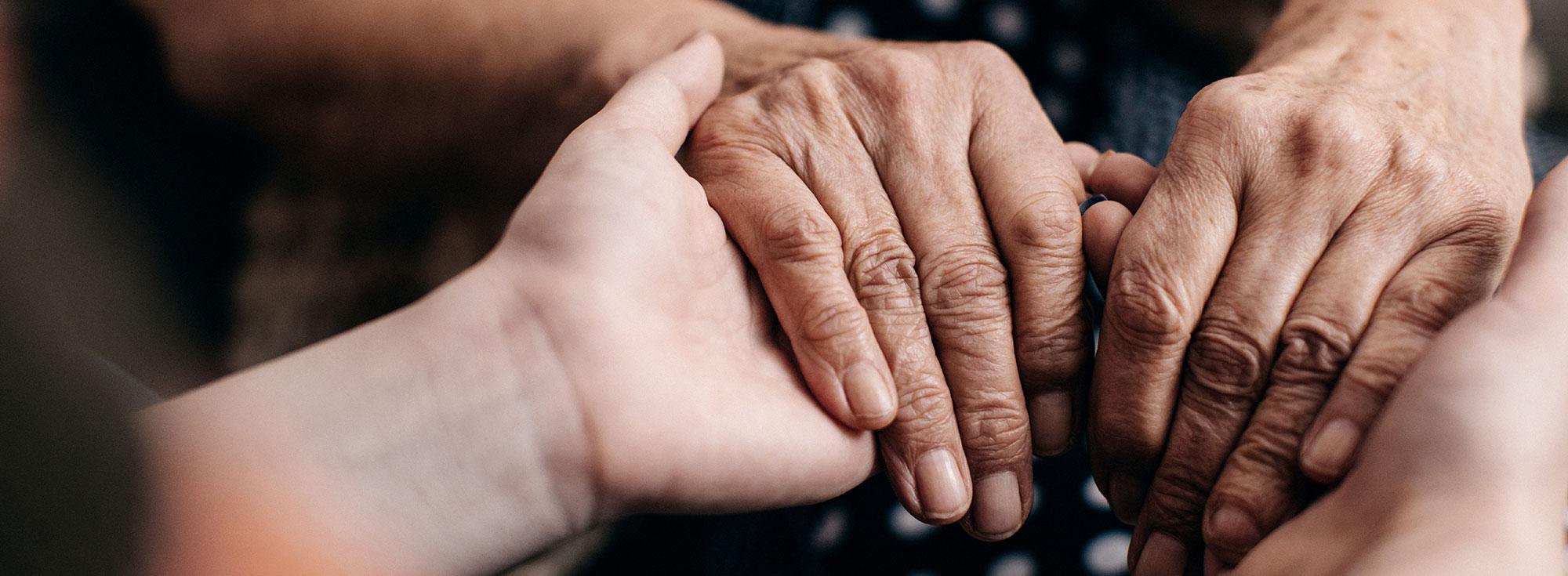 mains tenues